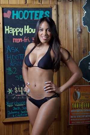 Hooters 6-29-15 18